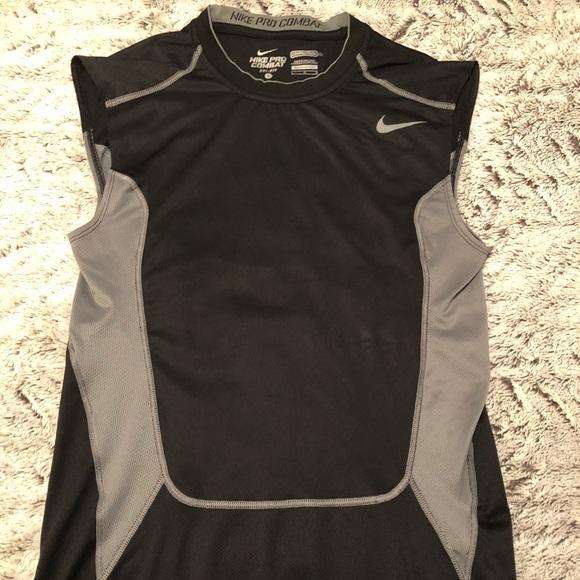 607937e78e2ad0 Nike Pro Combat Compression Shirt. M 5aa57453a825a671a951c7ef